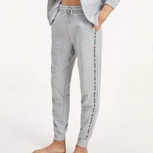 Tommy Hilfiger férfi pamut melegítő nadrág - szürke