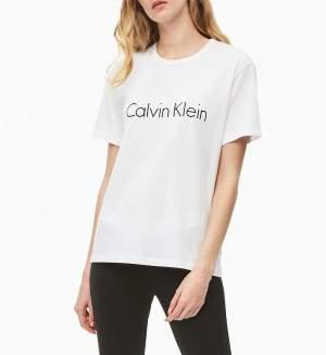 Calvin Klein női környakú póló - fehér